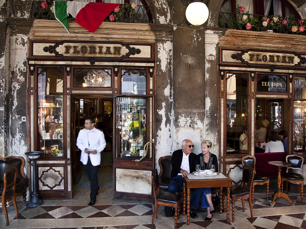 caffe-florian-venice-italy 76588 990x742