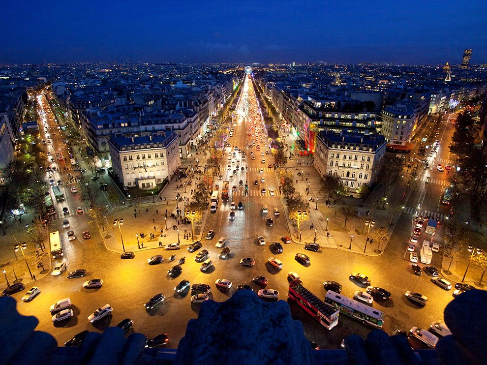champs-elysees-paris-france 76494 990x742