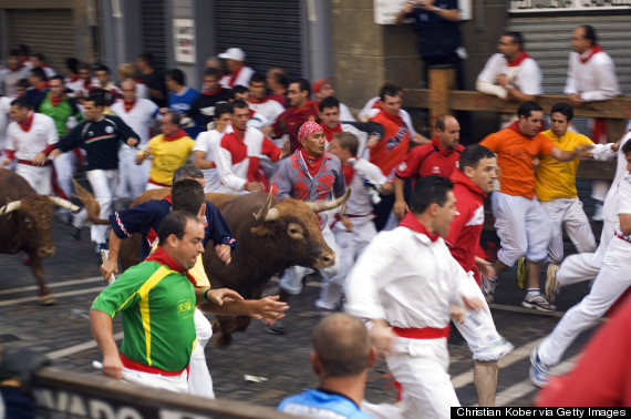 o-RUNNING-OF-THE-BULLS-570