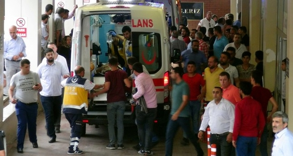 645x344 3 killed 8 injured after attack on ak party campaigners in southeast turkey 1528991899225