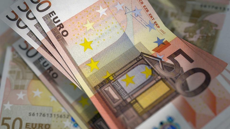 Αναδρομικά Ποιοι θα πάρουν έως και 7000 ευρώ - Πότε θα μπαίνουν τα χρήματα